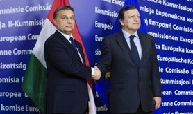 José Manuel Barroso and Victor Orban.