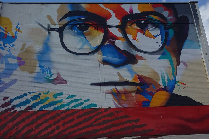 Mural of Theodor Adorno by Justus Becker and Oğuz Şen. Senckenberganlage, Frankfurt, 8 March 2019.