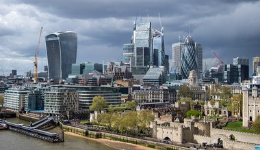 1024px-City_of_London,_seen_from_Tower_Bridge.jpg