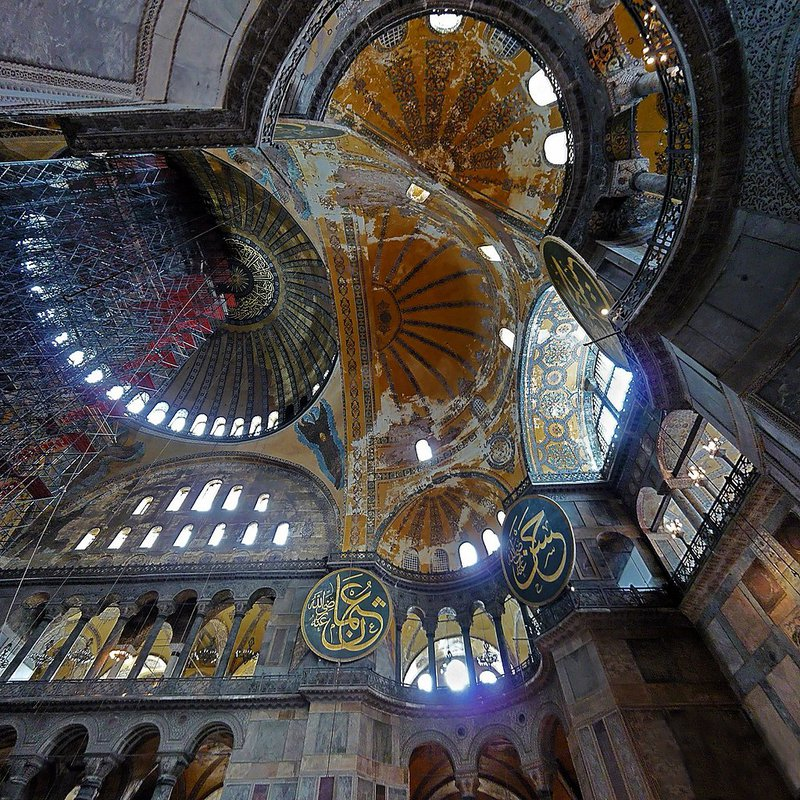 Dome of the Istanbul Ashkenazi Synagogue, 2008.