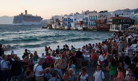 1024px-Little_Venice_quay_flooded_with_tourists._Mykonos_island._Cyclades,_Agean_Sea,_Greece.jpg