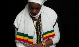 1%20-%20Reflection%20of%20Africa%20in%20the%20eye%20of%20Empress%20Bless-w920.jpg