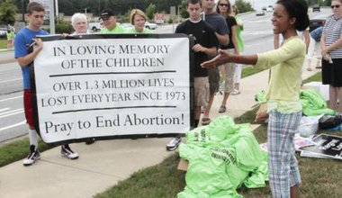 1282428500-abortion-protest-in-suburban-atlanta_416661-Dem-JimMichael.jpg