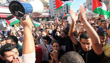 Protest against the Palestinian Authority in Ramallah, 2012