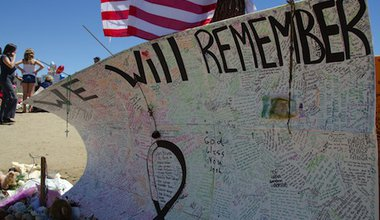 A shooting memorial in Aurora. Demotix/Gene Tewksbury. All rights reserved.