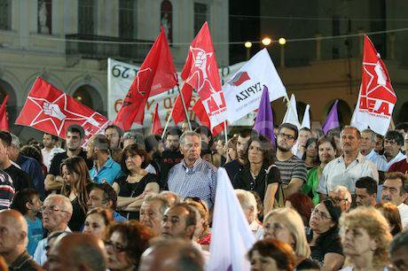 1372972117-syriza-president-alexis-tsipras-addresses-supporters-in-patras_2223594_0.jpg