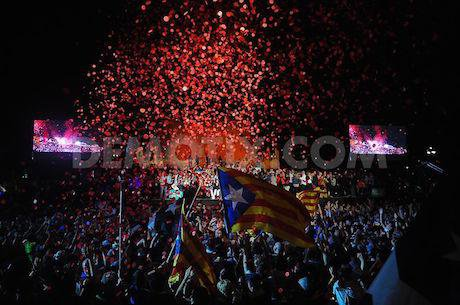 1443229523-catalan-separatist-party-celebrates-end-of-campaigning-before-election_8650294.jpg
