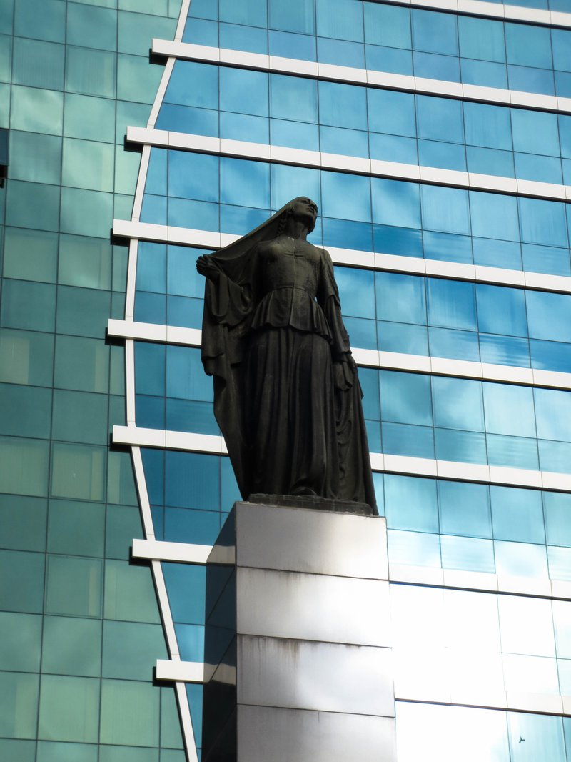 liberated_woman_monument.jpg