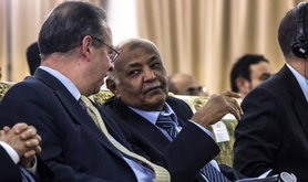 Yemeni PM (right) talks to UN Special Envoy Jamal Benomar, 2012.