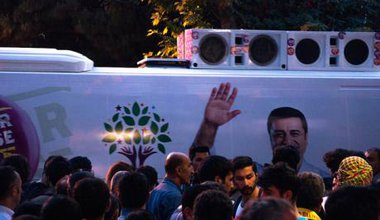 People waiting for the HDP leader to arrive,May, 2015.