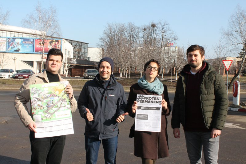 1_Free Moldova and OccupyGuguta teaming up_Alex Mihailenco is the second from the left_c_Daniela Prugger.JPG