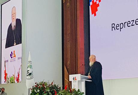 Dimitry Smirnov, a representative of Russian Orthodox Patriarch, addressing delegates.