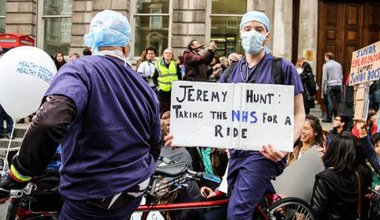 Junior doctors protest contract changes in 2015.