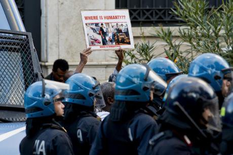 Ethiopians in Italy protest killing of migrants in Saudi Arabia.