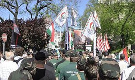 398px-Jobbik-NewHungarianGuard-May2013.jpg