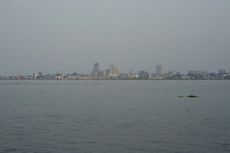 Kinshasa on a hazy day. Flickr/Karin Lakeman. Some rights reserved.
