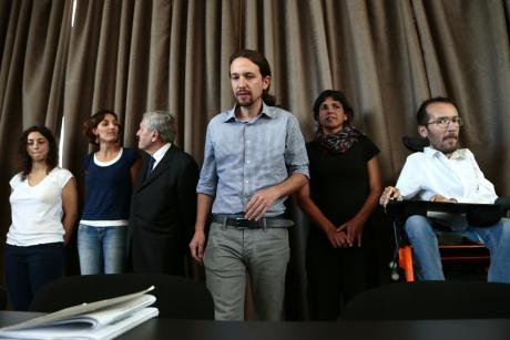 Podemos leader Pablo Iglesias talks to the press in Madrid. Demotix/Hugo Ortuno Suarez. Some rights reserved.