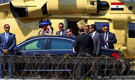 Abdel Fattah Sisi enters the presidential car