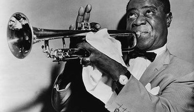 512px-Louis_Armstrong_restored.jpg