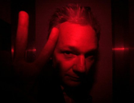 Julian Assange V., 2010. Flickr/OperationPaperStorm.