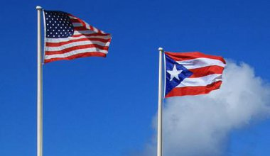 640px-Flags_of_Puerto_Rico_and_USA.jpg