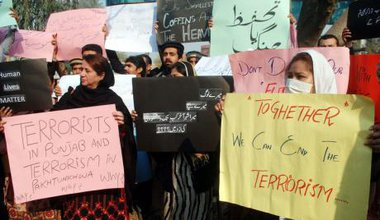 Peshawar protest against Taliban attack on Army Public School, December 17, 2014