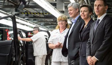 Canadian PM visits Ontario Honda plant in election year.