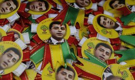 Rosettes at HDP's massive election rally in Istanbul.