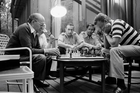 800px-Begin_Brzezinski_Camp_David_Chess.jpg