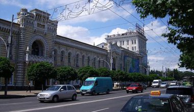 800px-Chisinau_City_hall (1)_0.jpg