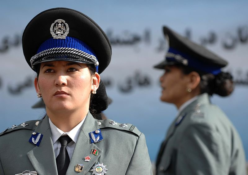 Woman in Afghan police uniform