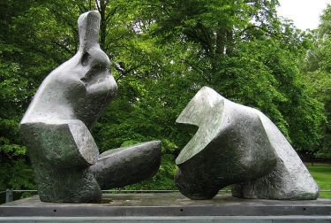 800px-Henry_Moore_-_Two_Piece_Reclining_Figure_5_-_Kenwood2.jpg