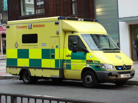 800px-London_Ambulance_at_Abbey_Road.jpg