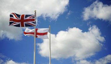 800px-Union_Flag_and_St_Georges_Cross.jpg