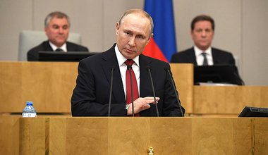 800px-Vladimir_Putin_Speech_at_State_Duma_plenary_session_2020-03-10_06.jpg