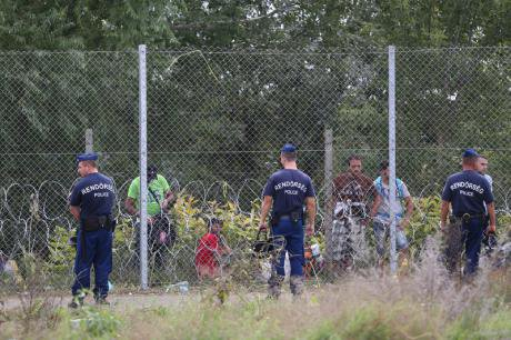 The Hungarian border (Demotix/Beata Zawrzel)