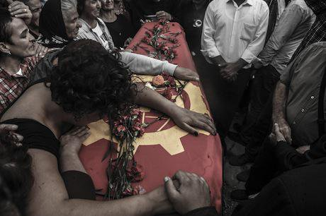 Relatives of the Ankara victims. Demotix/Recep Yılmaz. All rights reserved.