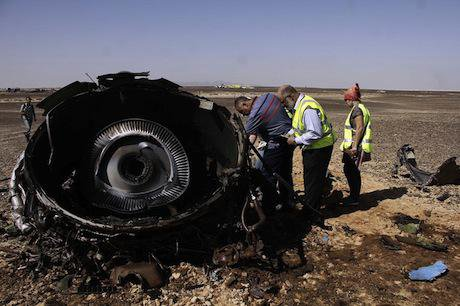 Debris of the A321 Russian airliner. Demotix/ahmed abd el fattah. All rights reserved.
