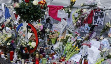 Tributes to the Bataclan victims.