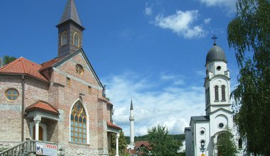 Bosanska_Krupa_Churches.JPG