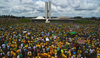 Brasília_protest_-_Brazil_15_March_2015_2.jpg