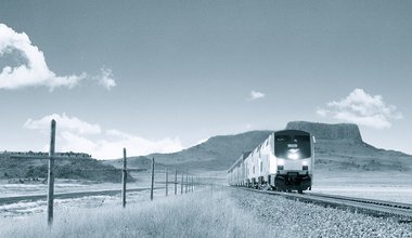 Amtrak (b/w) – americantrains