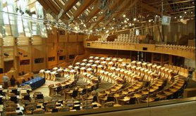 Debating_chamber,_Scottish_Parliament_(31-05-2006).jpg
