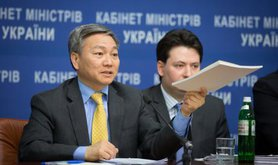 Qimiao Fan, World Bank director for Belarus, Moldova & Ukraine, at a March 2015 press conference in Kyiv concerning the loan