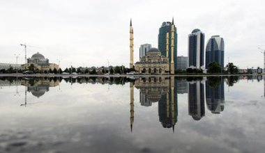 A rebuilt grozny showing a mosque and several new skyscrapers.