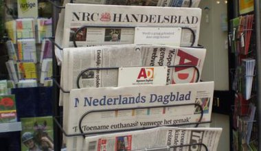Dutch_newspapers.jpg