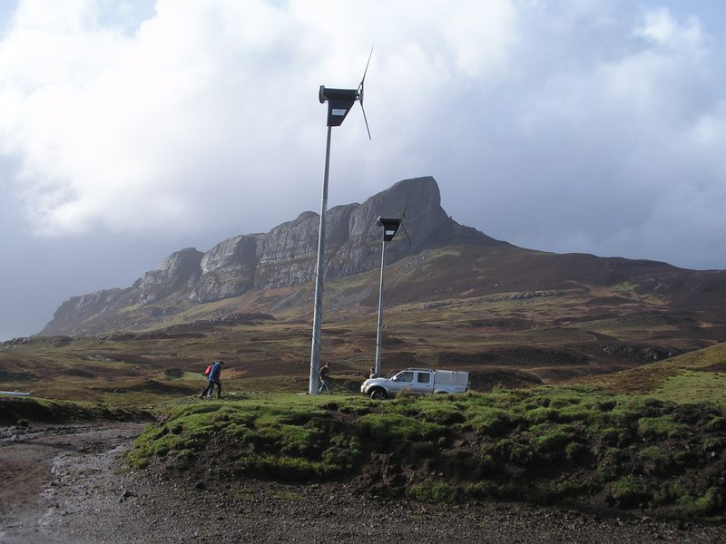 Eigg_wind_turbines.jpg