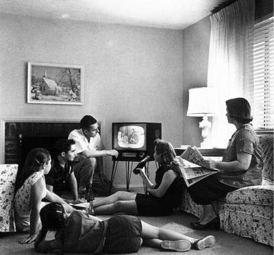 Family_watching_television_1958.jpg