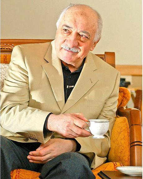 Fethullah Gulen, drinking tea during an interview with Turkish journalist