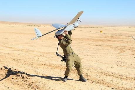Flickr_-_Israel_Defense_Forces_-_Skylark_Drone_Flight_Training_(6)_0.jpg